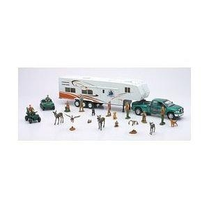 Wild Hunting Playset with Truck Trailer and Accessories 1-32 Scal. [Toy]