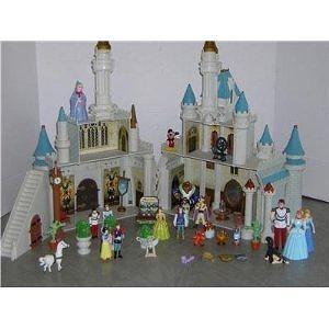 Disney Exclusive Cinderellas Castle Playset with 10 Disney Poseable Characters (Jasmine, Alladin, Sleeping Beauty, Prince Phil
