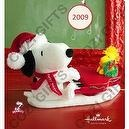 Swingin with Snoopy 2009 Hallmark Plush