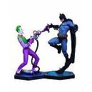 DC Direct Ultimate Showdown: Batman vs. The Joker Statue Set